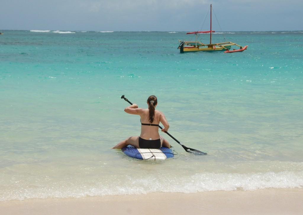 How to stand up paddle board don't straddle the board