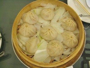 Xia Long Bao Food Review Flushing, NY Joe's Shanghai and Fay Day Bakery
