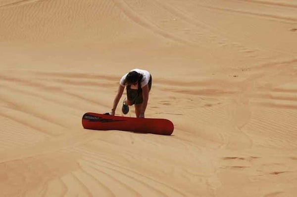 Sand boarding in Dubai, Traveling Well For Less