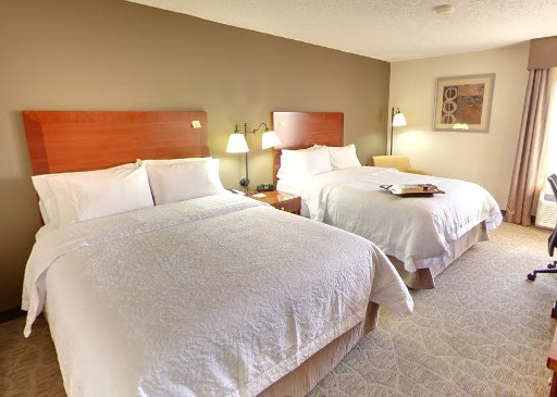 85,000 hilton points gets you 4 nights at the Hampton Inn closest to Universal Orlando, Traveling Well For Less