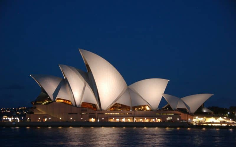 Luxury-Guide-Sydney-$85-day