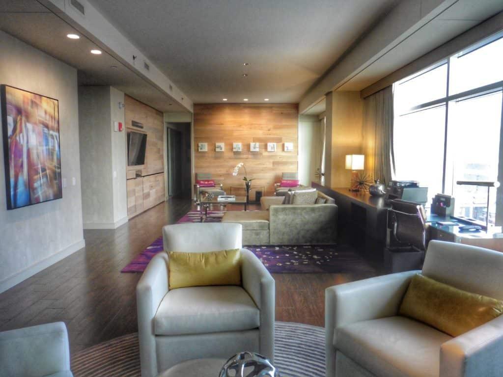 Spacious Park Suite at the Hyatt Regency McCormick Place. TraveilngWellForLess.com