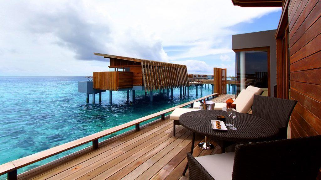 Top luxury hotels in maldives to stay on points for Luxury hotel stays