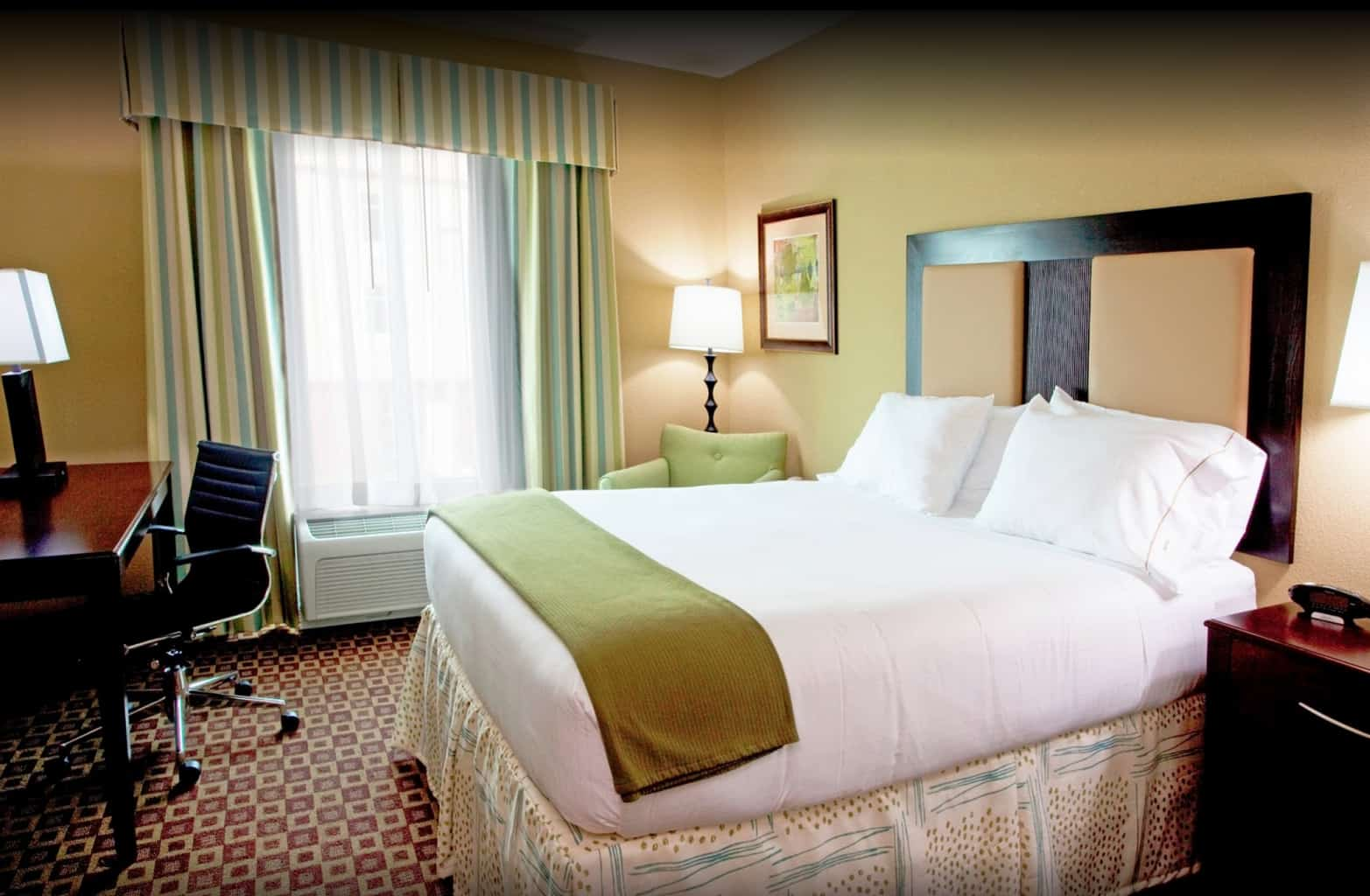 Staying at the Holiday Inn Chaffee-Jacksonville is cheaper when you buy IHG points. Travelingwellforless.com
