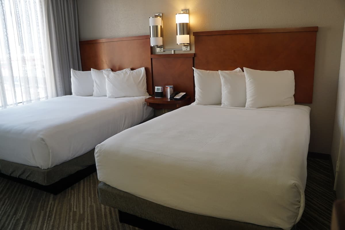 Even the double beds at Hyatt Place Las Vegas are cozy and comfortable. | Hyatt Place Las Vegas review | Traveling Well For Less | The Hyatt Place Las Vegas is the best hotel because you get free breakfast, Wi-Fi, parking, airport shuttle, and more
