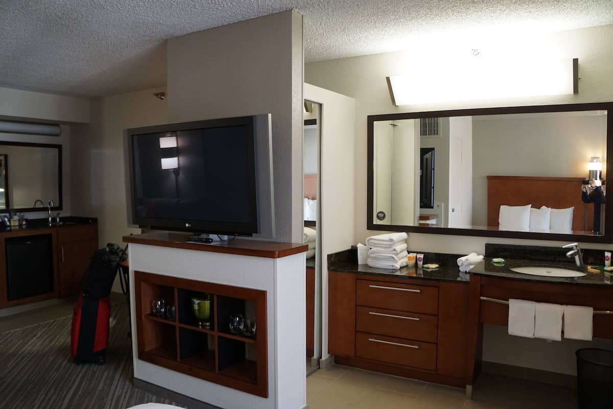 Rooms at the Hyatt Place Las Vegas have 42-inch flat screen TVs. | Travelingwellforless.com | Hyatt Place Las Vegas review | The Hyatt Place Las Vegas is the best hotel because you get free breakfast, Wi-Fi, parking, airport shuttle, and more