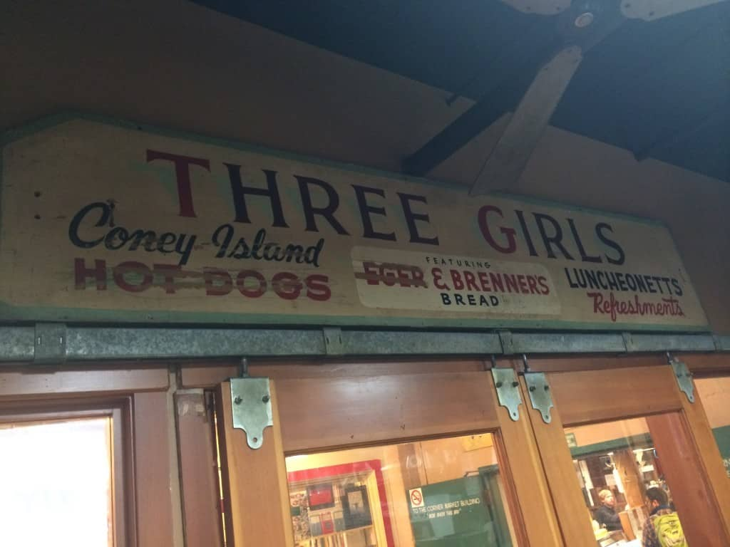 Seeing Seattle in 5 hours is possible. Read travel expert Debra Schroeder's recommendations on what to do when you have a 5-hour layover in Seattle. Three Girls Bakery. Traveling Well For Less