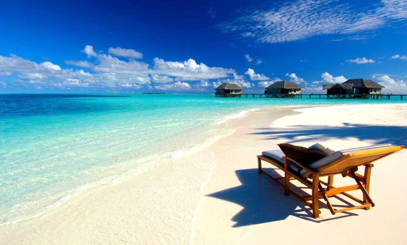 You can get free stays at Hilton hotels like the Conrad Maldives with the 100k signup bonus from the Hilton Honors Surpass Card from American Express. | travel hacking | TravelingWellForLess.com
