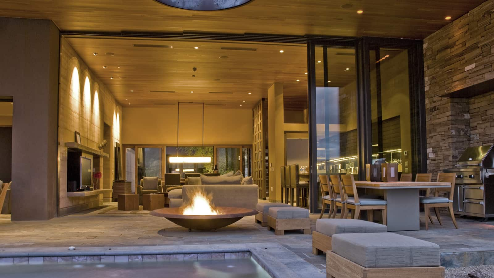 You can now earn and use Hyatt points at Miraval. You'll earn 5 points for every dollar spent at Miraval. And you can redeem points for free stays. | earn and use Hyatt points at Miraval | travel hacking | TravelingWellForLess.com