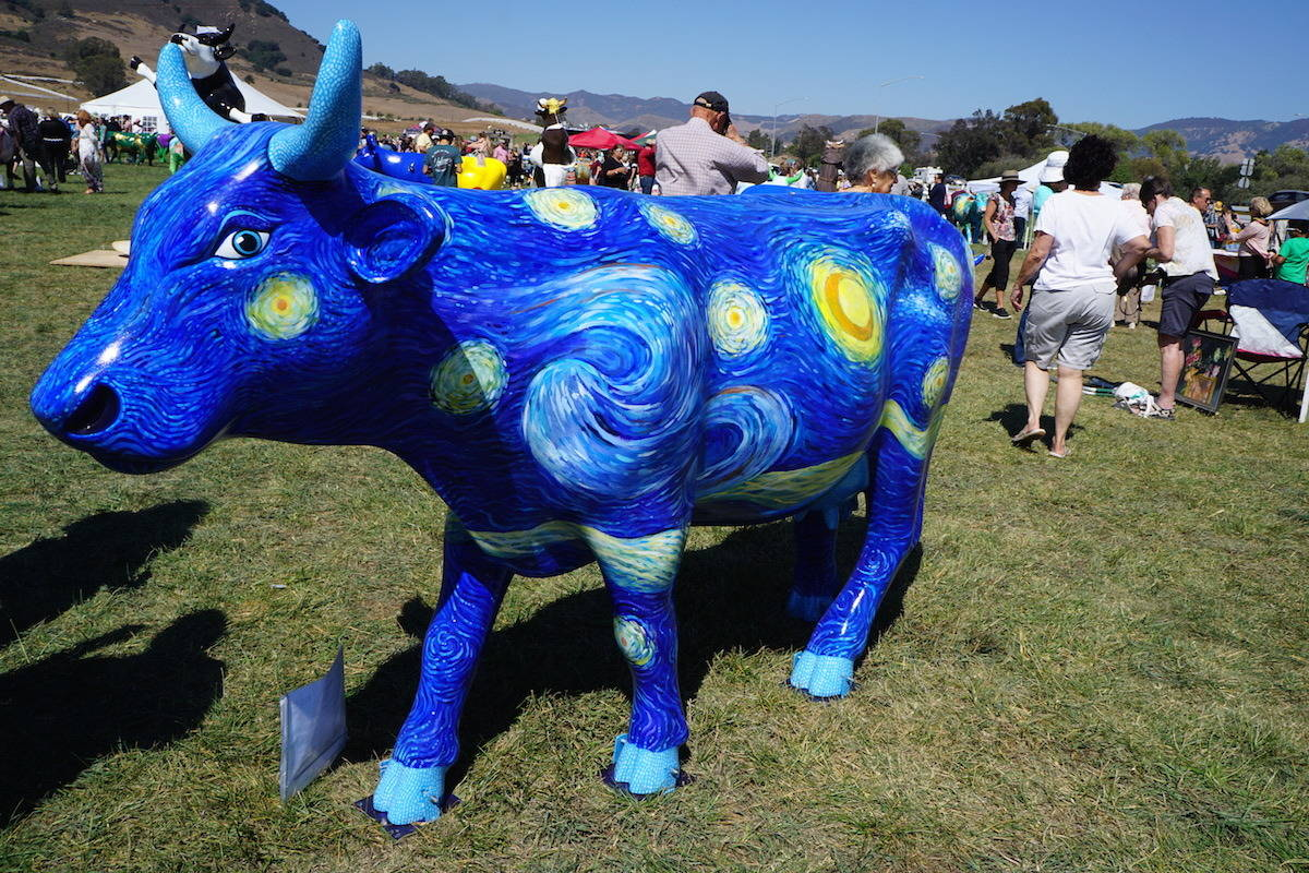 Starry Night Cow, CowParade SLO. TravelingWellForLess.com