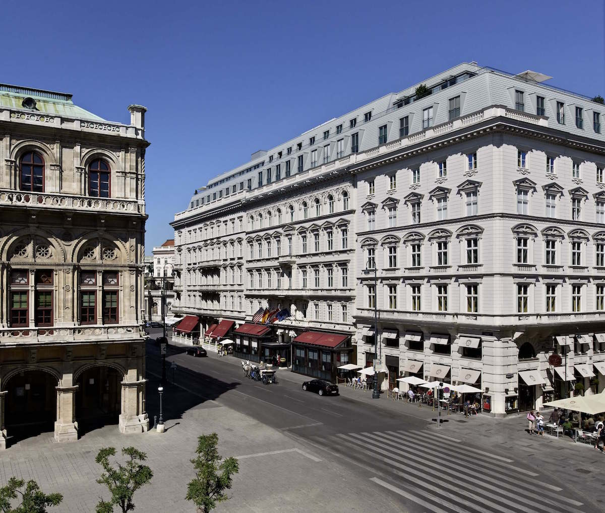 Hotel Sacher Wien, luxury hotel Vienna, top hotel Vienna, sacher torte, https://www.travelingwellforless.com