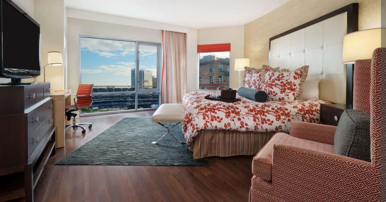 Buy IHG points for a cheap stay at the Hotel Indigo San Diego. Traveling Well For Less