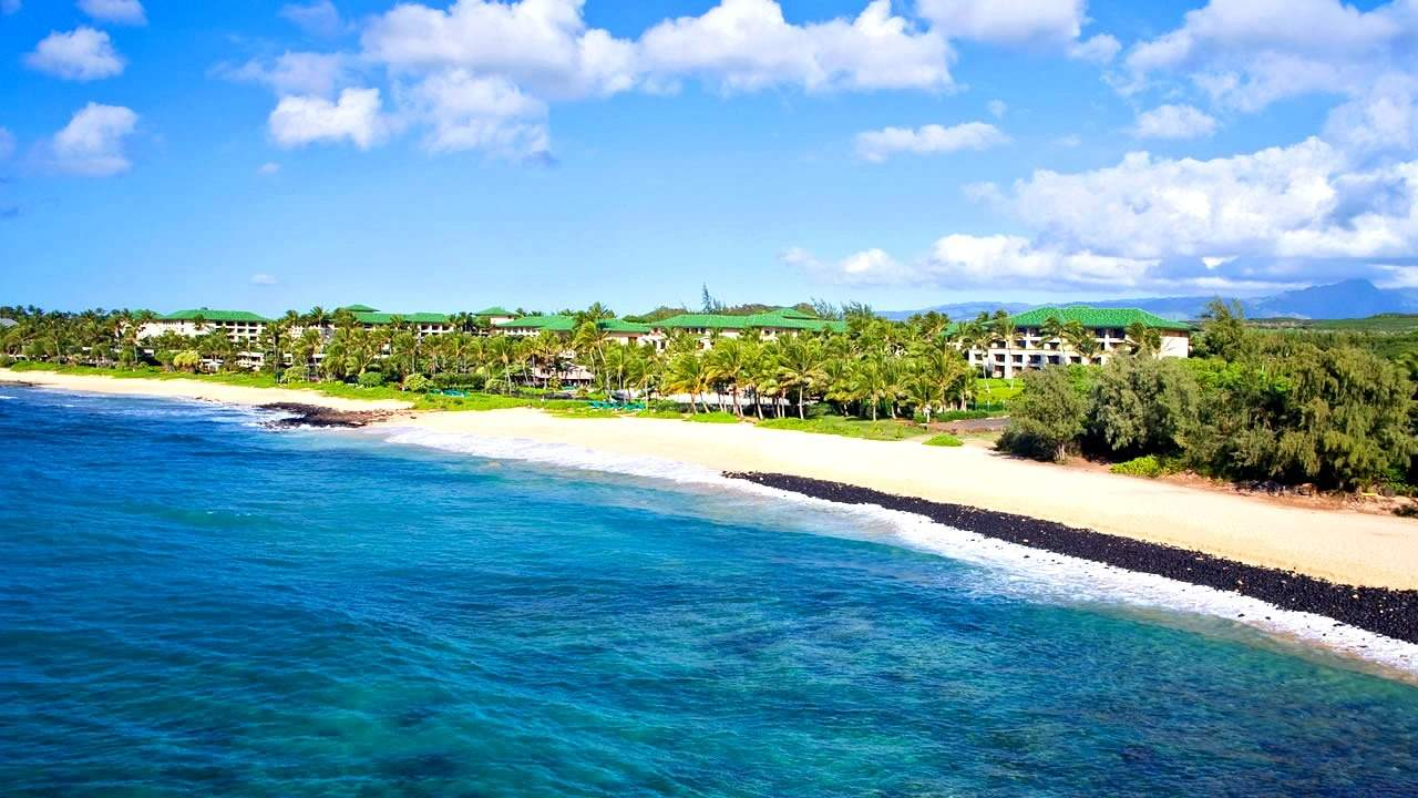 Stay free at the Grand Hyatt Kauai using points. Travel hack a trip to Hawaii. | Hawaii | Kauai | travel hacking | TravelingWellForLess.com