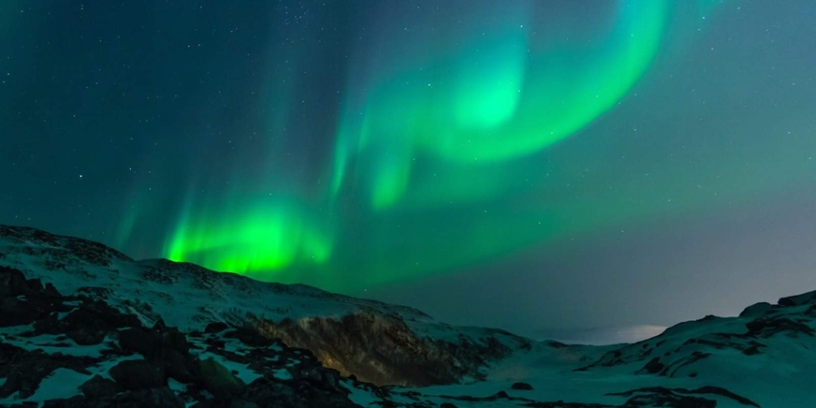 See the Northern Lights in Norway. Stay for cheap when you buy Choice points. TravelingWellForless.com Photo credit:Unsplash