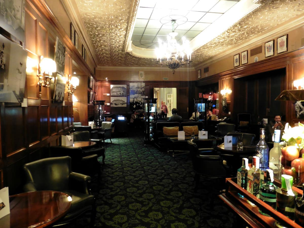 Decorated with an English library feel, the 1912 Museo Bar was a favorite of Ernest Hemingway and Salvador Dali. TravelingWellForLess.com