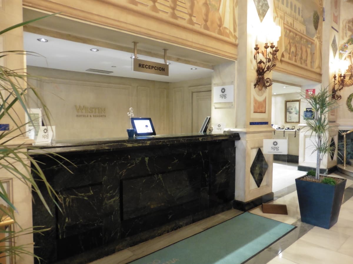 Dedicated check-in line for SPG members at the Westin Palace Madrid. TravelingWellForLess.com