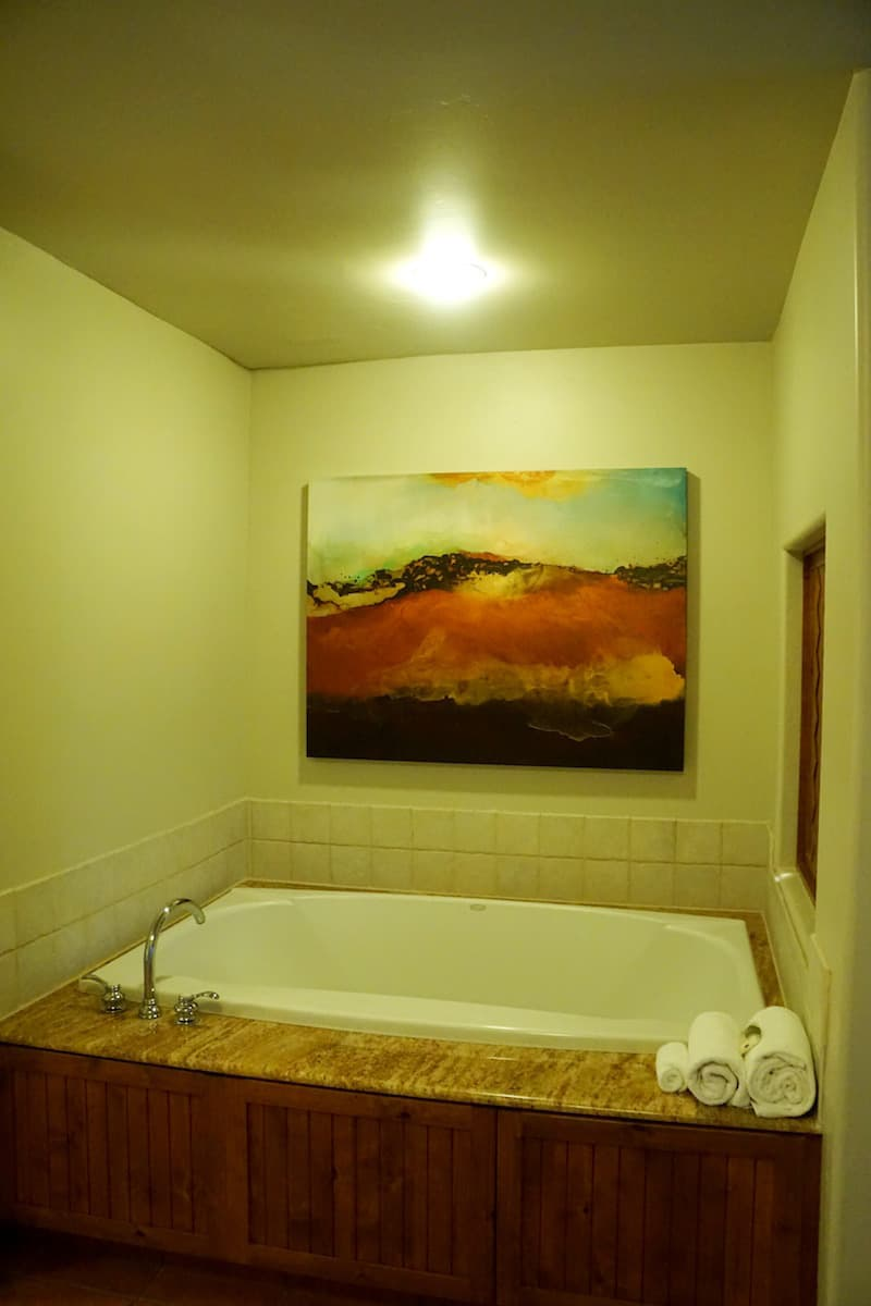 After a long day of hiking, you can soak in the generously sized spa jet tub. It's large enough for two people. Perfect for a romantic evening.