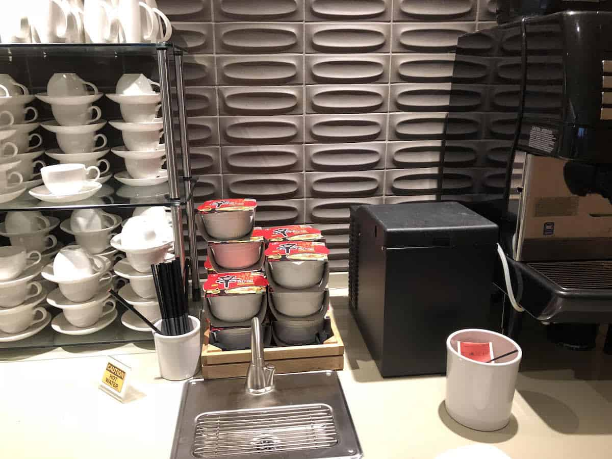 instant noodles, tea, and coffee at Star Alliance Business Class Lounge LAX