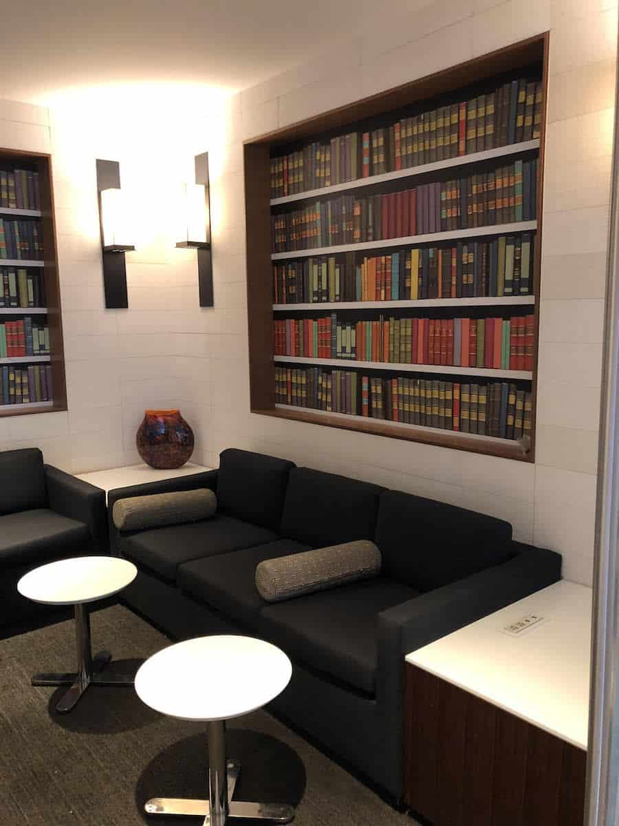 Star Alliance Business Class Lounge LAX library