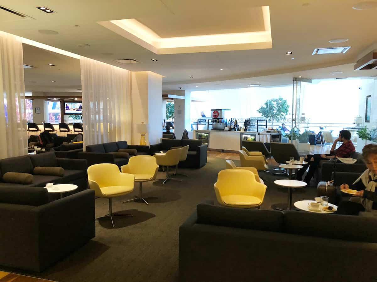 Star Alliance Business Class Lounge LAX seats