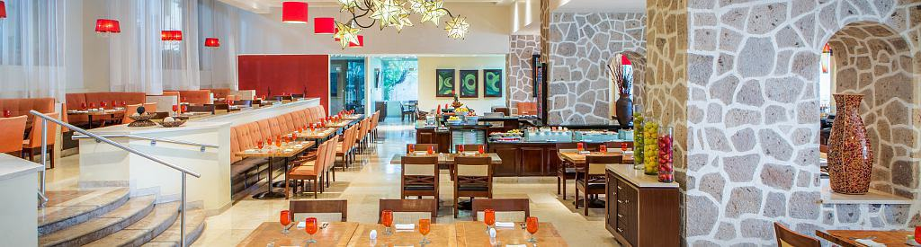 Foodies will delight in the breakfast buffet at La Estancia Restaurant. | Marriott Puerto Vallarta Resort & Spa | where to stay in Puerto Vallarta | www.TravelingWellForLess.com