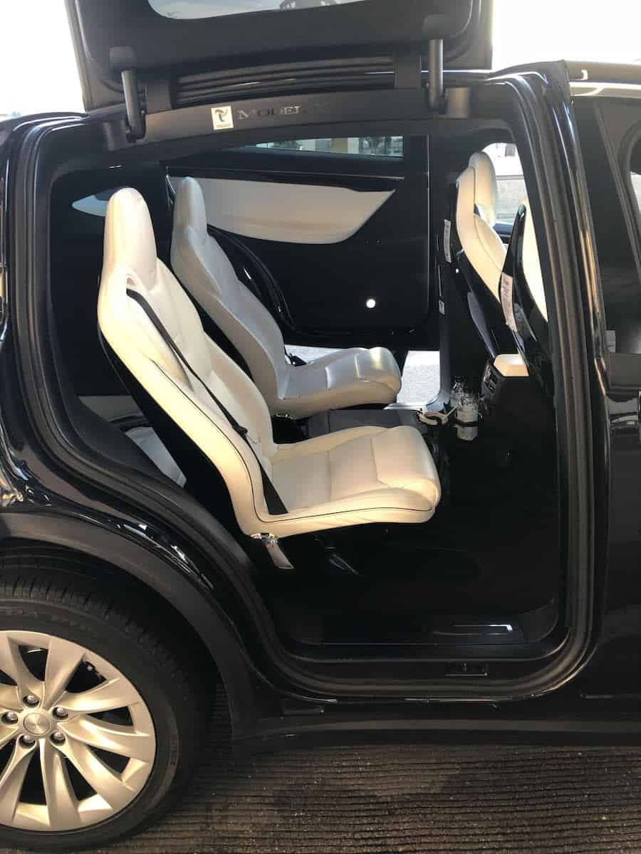 Tesloop rear seats. | Tesloop San Diego to LAX | how to get from LAX to San Diego | https://www.travelingwellforless.com