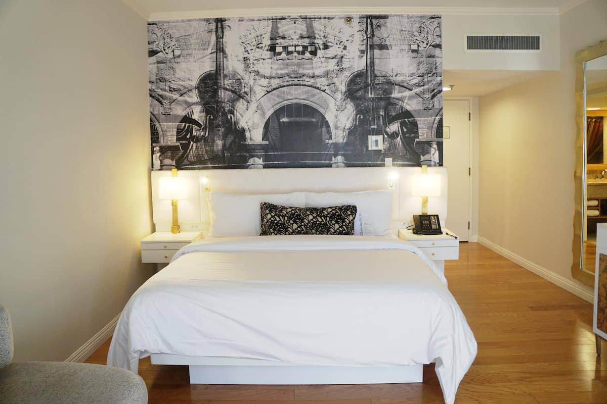 Deluxe king bed, Avenue of the Arts Hotel, best things to do in Costa Mesa