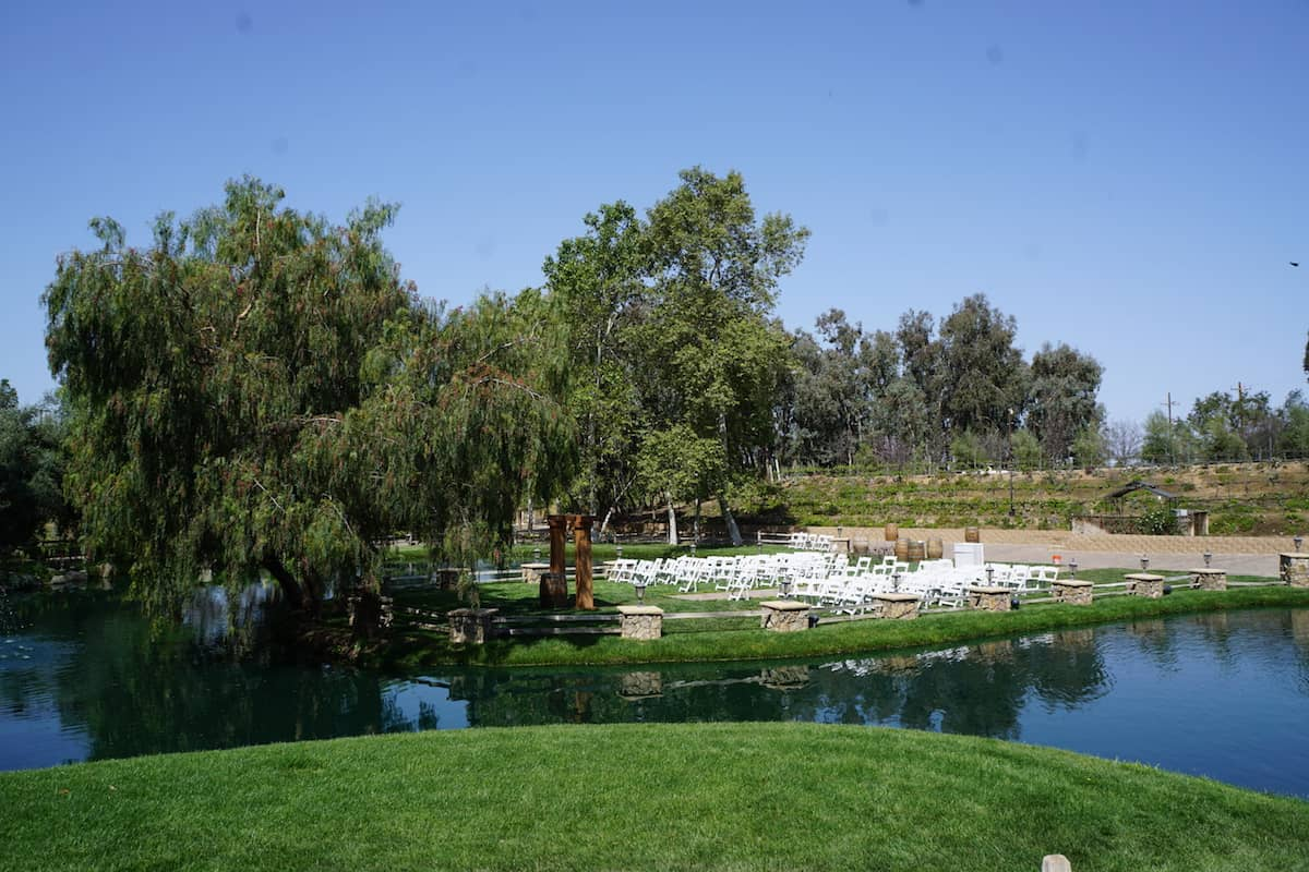 Feeling gentle tugs at your heartstrings? Need your significant other to commit? Then crash a wedding at Vitagliano Vineyards. | fun things to do in Temecula | things to do in Temecula | Riverside County | https://www.travelingwellforless.com