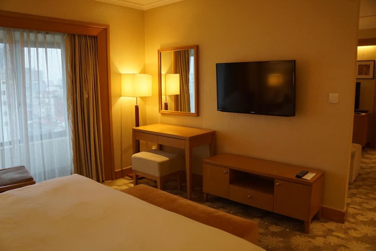 hotel TV and vanity