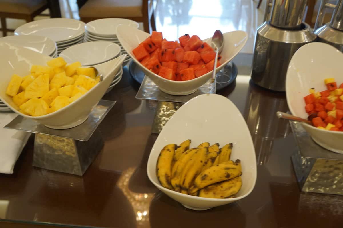 hotel breakfast buffet fruit