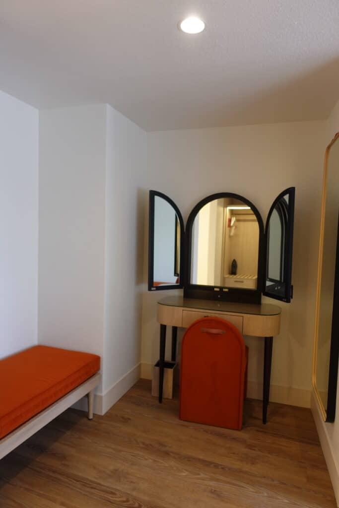 hotel dressing room