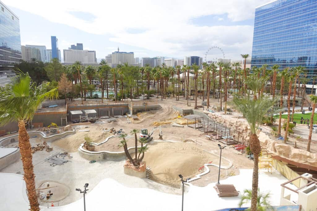 las vegas resort casino pool under construction