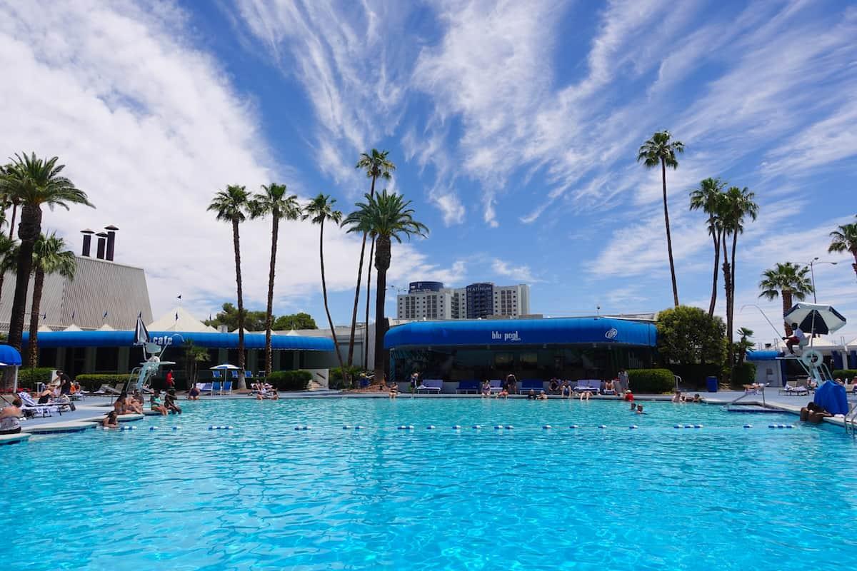 Bally's Las Vegas Pool: Best Vegas Strip Pool With Deep End