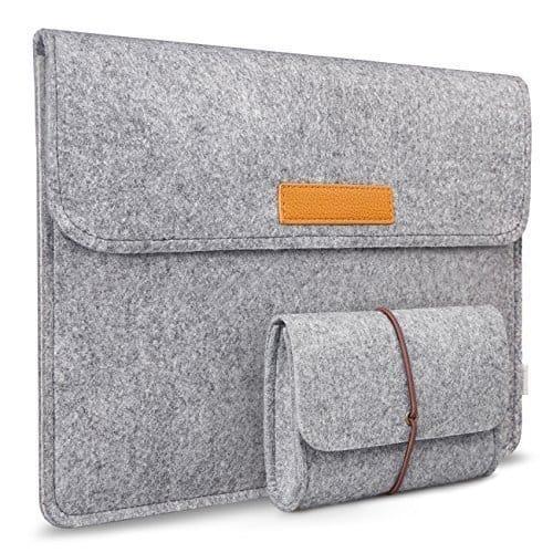 inatek, laptop sleeve, electronics, travel gifts, 25 travel gifts for $25 or less, Traveling Well For Less