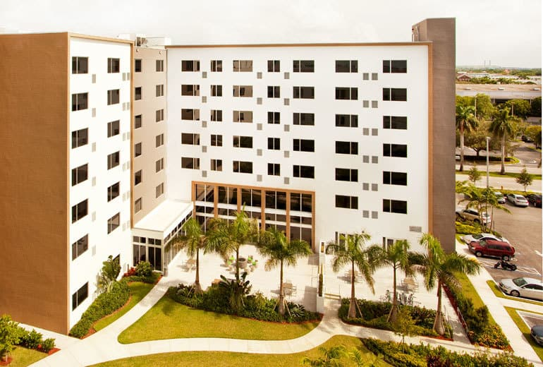 Starwood-Element-Miami-Doral, free hotel breakfast, Traveling Well For Less