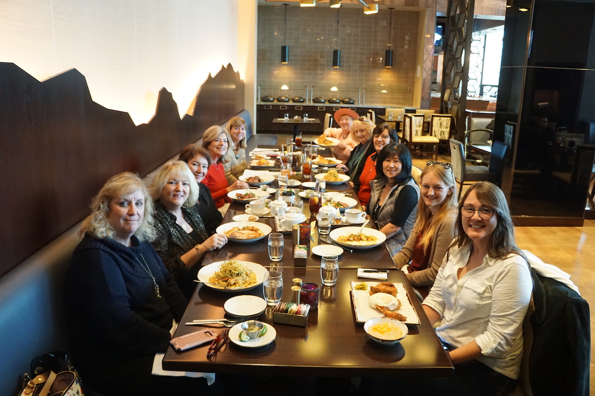 eleven women having lunch, food and travel writers lunching at Pechanga Lobby Bar and Grill